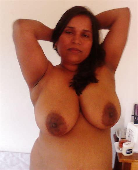 Tamil Bbw Aunty Saree Photos Fat Chubby Aunty Saree
