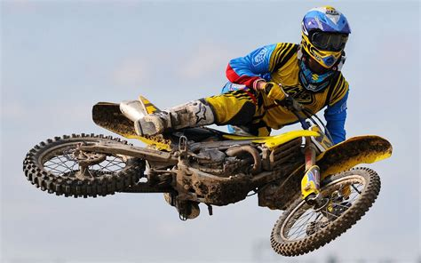 racing motocross bikes dirt bike racing wallpaper 34256