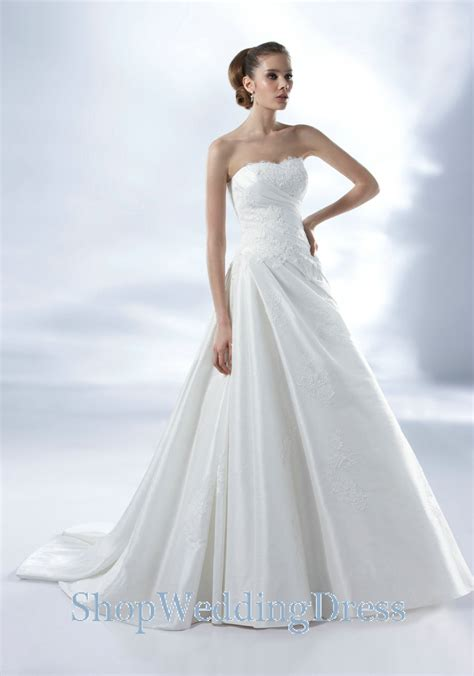 the popularity of white wedding dresses cherry - White Dress Wedding