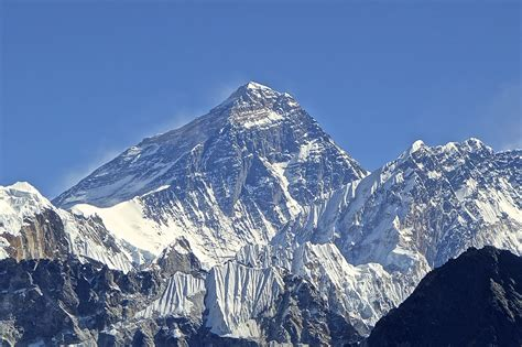 china says that the earthquake in nepal moved mount everest three centimeters vice