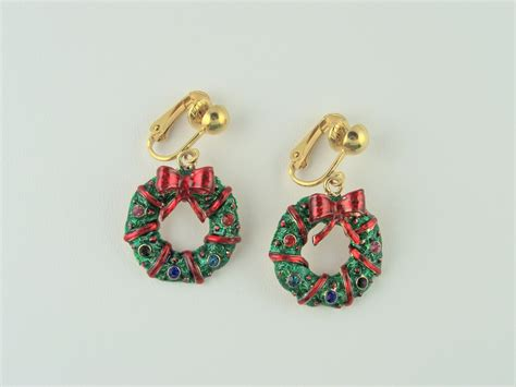 light up the holiday wreath clutch back earrings