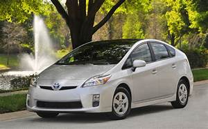 2010 Toyota Prius Review And Four Trim Comparison