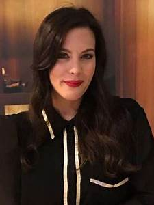 Compare Liv Tyler's Height, Weight, Body Measurements with ...