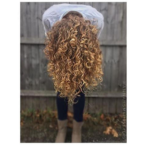 curls in hair styles 1041 best images about curly hair on 6997