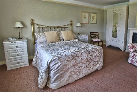 Grade 2 Listed Rowley Manor & Prosecco for 2 | Stoke On ...