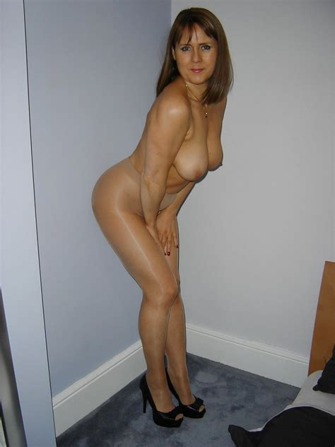 Hot Matures: I Love Gilfs & Milfs 18 - Pantyhose Edition