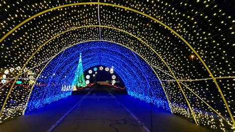 drive through christmas lights denver colorado there s a drive through light display coming to colorado with 1 5 million led lights
