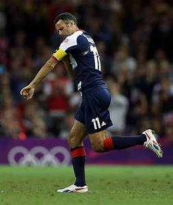 Ryan Giggs playing for Team GB   Ryan Giggs' career in ...
