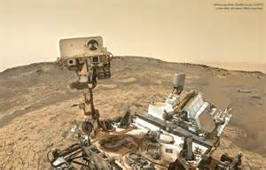 "Curiosity's First ""Selfie"" of 2015 | Lights in the Dark"