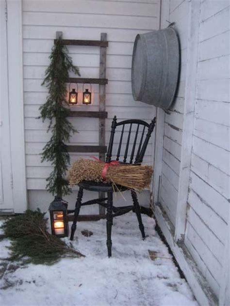 husfruas memoarer winter porch display    ladder