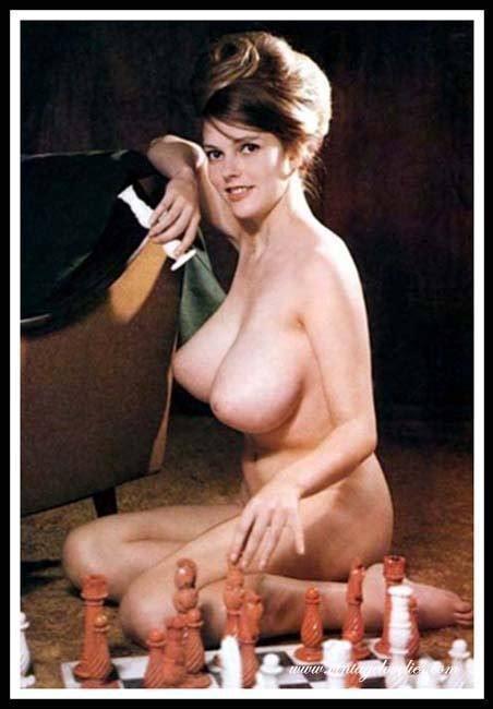 Big Boobs Nude Cone Tits Pendulous Vintage Games Amateur