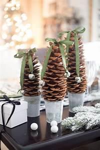 Basteln Mit Tannenzapfen Weihnachten : herrliche herbst winterdeko die durch basteln mit tannenzapfen entsteht ~ Frokenaadalensverden.com Haus und Dekorationen