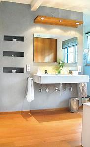 Holz Im Badezimmer : holzboden im bad ~ Lizthompson.info Haus und Dekorationen