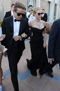 Scarlett Johansson Engaged To Romain Dauriac After ...