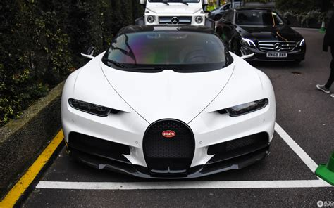 Bugatti has decided to issue a set of appearance packages for the chiron to commemorate the la voiture noire. Bugatti Chiron - 8 May 2019 - Autogespot