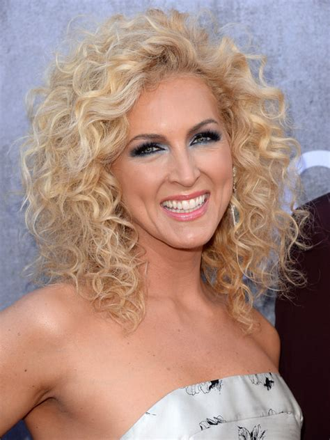Kimberly Schlapman Curly Hair