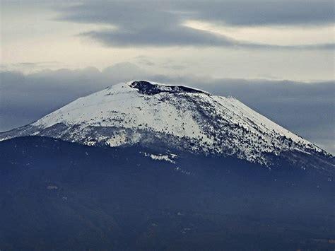 visit mount vesuvius volcano vesuvio booking hotel bb