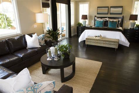 Rugs That Go With Brown Leather Couch by 50 Professionally Decorated Master Bedroom Designs Photos