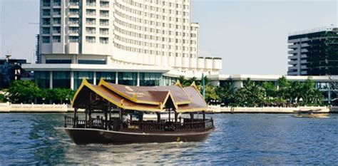 Boat Browser Night Mode by Shangri La Hotel Bangkok Operates Free Shuttle Services