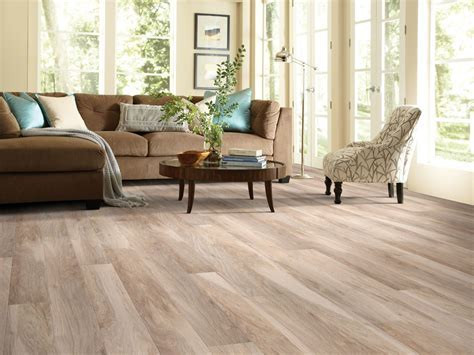 4 Reasons to Choose Shaw Laminate Floors   Edwards Carpet