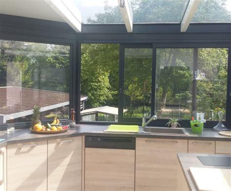 cuisine veranda bien aménager une cuisine dans une véranda cuisine plus
