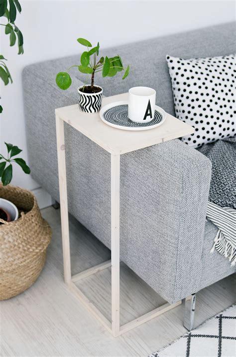 fabriquer canape fabriquer une table d 39 appoint pour le canapé 13 idées