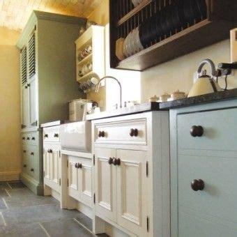 unfitted kitchen furniture best 25 unfitted kitchen ideas on pinterest farm style unit kitchens cottage rental uk and