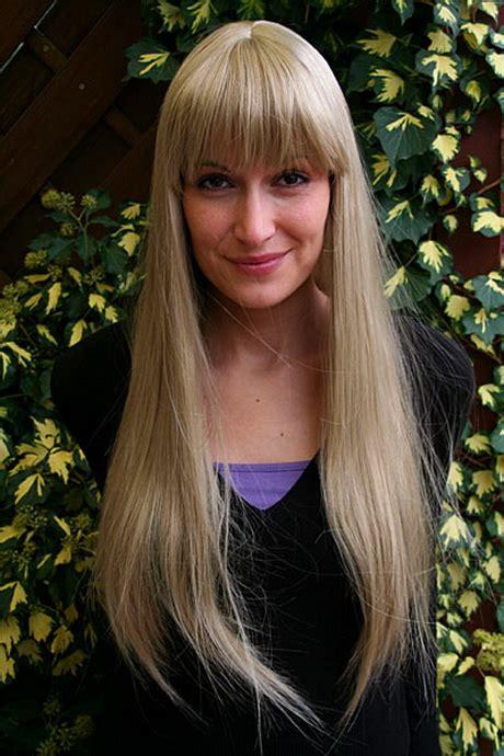 lange blonde haare mit pony