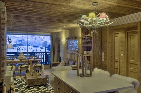 parquet dans une cuisine rénovation appartement style montagne moderne cosy