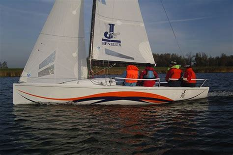 Zeilboot Wrappen boot belettering boot wrap bootinterieur folie dr sticker