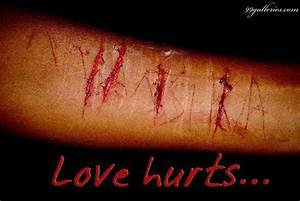 Wallpapers: Love Hurt.Cuts ur Hand