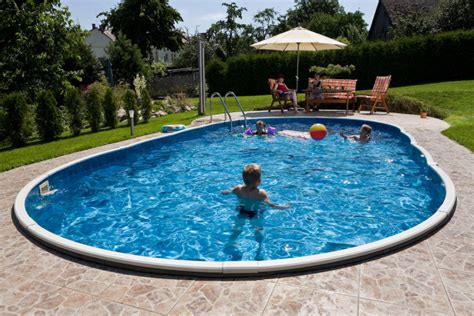 10 Differences Between Above Ground Swimming Pools And In