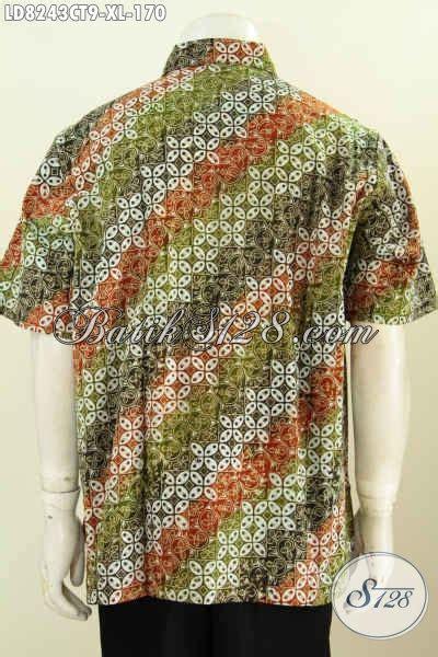 hem lengan pendek keren motif kombinasi baju batik terbaru untuk lelaki terlihat gagah dan