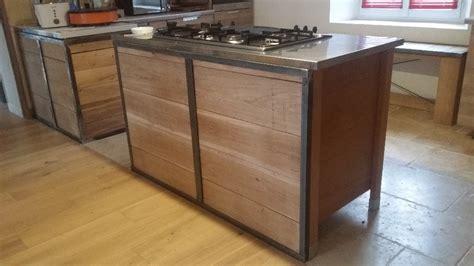 cuisine bois et fer habillage pour meuble de cuisine en métal et bois par geri