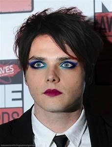 Gerard Way Natural Hair Color Hair Colors Idea In 2018