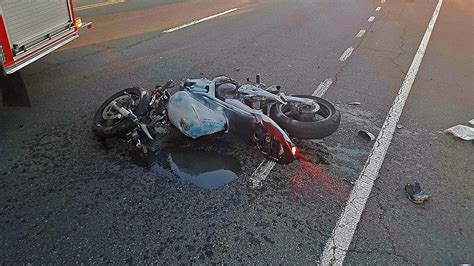 Clarksville Police Reports Motorcycle Crash Sends One To