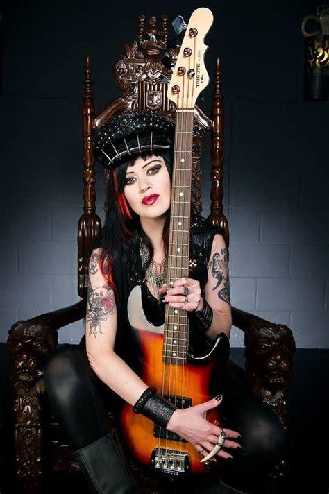 Afbeeldingsresultaat voor guitars girls hot | Vrouw