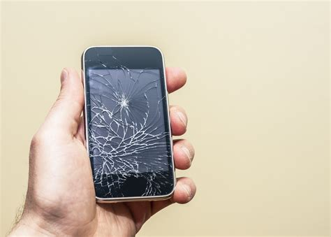iphone 6 cracked screen how you can fix your cracked iphone screen time Iphon