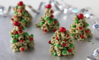 christmas recipes christmas kids cooking cheerio christmas trees