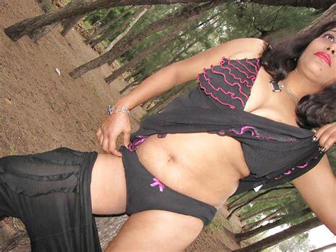 नंगी लड़की की फोटो हमारी साइट हॉट सेक्सी आंटी कॉम पर देखे