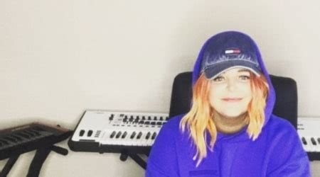 Tones and I Height, Weight, Age, Body Statistics - Healthy Celeb