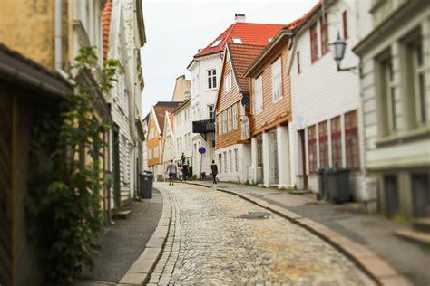 streets  bergen norway entouriste