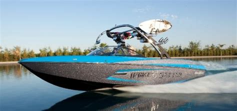 Malibu Boats Weight by 2013 Malibu Wakesetter 24 Mxz Buyers Guide Boattest Ca