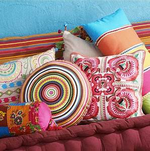 Maison Du Monde Coussin : s rie de coussins couleurs de maison du monde ~ Teatrodelosmanantiales.com Idées de Décoration