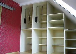 Farben Für Kleine Räume Mit Dachschräge : schlafzimmer mit einbauschrank raumax ~ Frokenaadalensverden.com Haus und Dekorationen