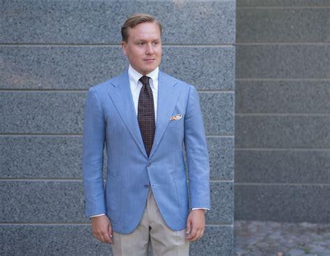 How To Wear A Light Blue Summer Sport Coat