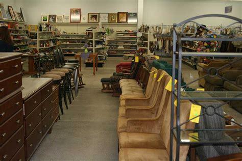ways  find   furniture deals frugal living