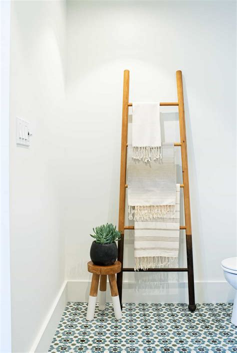 benefits    good towel racks   bathroom