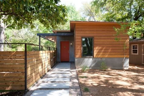 sikkens cetol  review details   long lasting wood siding modern entry guest house