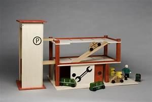 Garage Aus Holz : parkhaus aus holz mit garage ~ Frokenaadalensverden.com Haus und Dekorationen